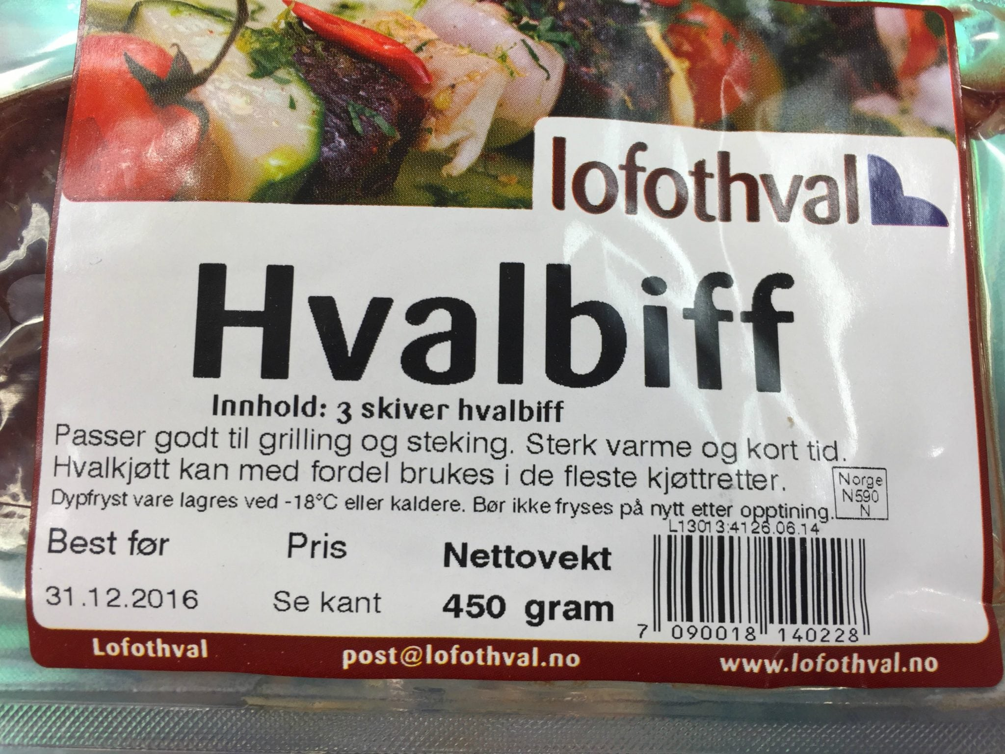 Norwegian government minister donates huge sum to help increase falling whale meat sales